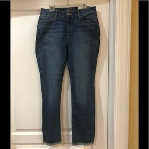 MISSES BASS CROP FIT JEANS. SIZE 4. NWT!